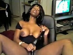 Captivating Ebony Chick Toys Her Pussy To Orgasm In Webcam Solo