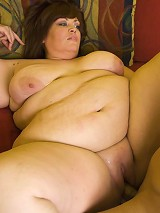 Blue eyed BBW Jezzebel Joli shows off her huge ass and takes intense belly thumping