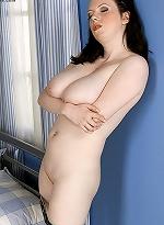 free bbw pics This big chesty blonde gets...