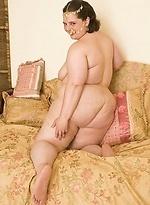 free bbw pics Fat kinky lady speading her...