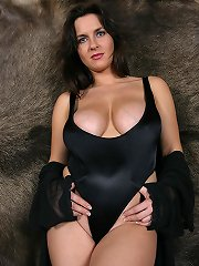 Jastin shows her big tits in the hunting lodge^My Boobs EU Big Tits girl sex girls big tits boobs busty babe babes