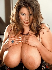 Pics of a hoochie Shannon Kelly with titties getting rammed by a giant shlong.