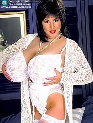 Big breasted wench magdalena giving boobjob and...