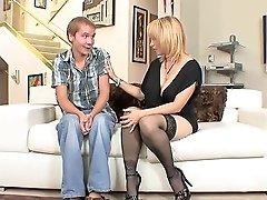 Blonde Big Tits MILF In Stockings Heels Fucks Gr8 Txxx Com