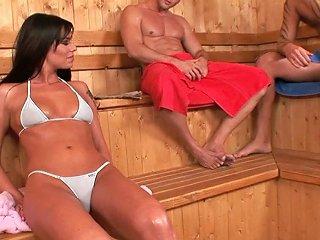 Babe In Bikini Simony Diamond Is Fucking In A Mmf Threesome