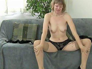 Mature Slut Stripping Down And Masturbate Free Porn 94