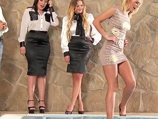 Glamour Babe Analized During Foursome Session Upornia Com