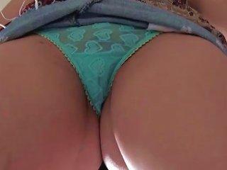 Latina Teen Hottie Spreading Cameltoes Sucks Pecker