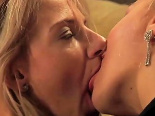 Well Trained Slave Shows Her Pussy Licking Skills Porn Ee