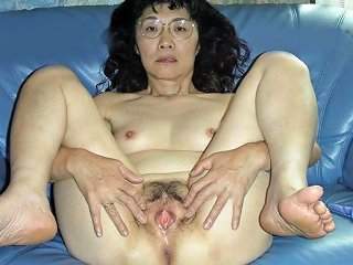 Chie Loves Sucking Cock 50's Matured School Teacher