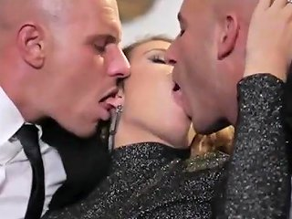 Christmas Threesome Free Free Mobile Threesome Porn Video