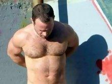 Masculine bear guy enjoys posing and teasing on cam