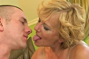 Sex Starved Granny Gets Her Hairy Snatch Eaten Out