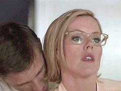 Kathleen Robertson Boss 03 Free Milf Porn F6 Xhamster