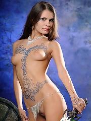 Sexy Salma poses in lovely body art