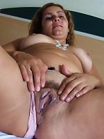 Horny mature slut loving to tease her body