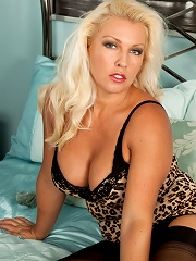 Blonde cougar Lana Cox is steaming hot in leopard lingerie