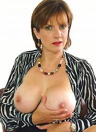 Huge Tits Mature