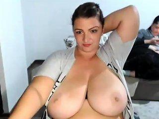 Brunette Big Boobs Webcam Show Nuvid