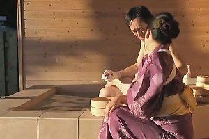 Mature Japanese Lady Has Amazing Hardcore Sex