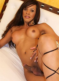 Brazilian t-babe Mirella has...