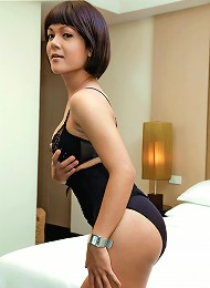 Ladyboy Lesa shows off her s...