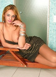 Sizzling hot shemale getting wild and creaming her flesh-colored pantyhose