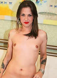 Hot suicide tranny with sexy ink!