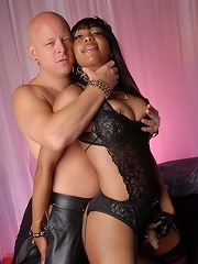 Sweet chocolate TS Sexxxy Jade riding a cock